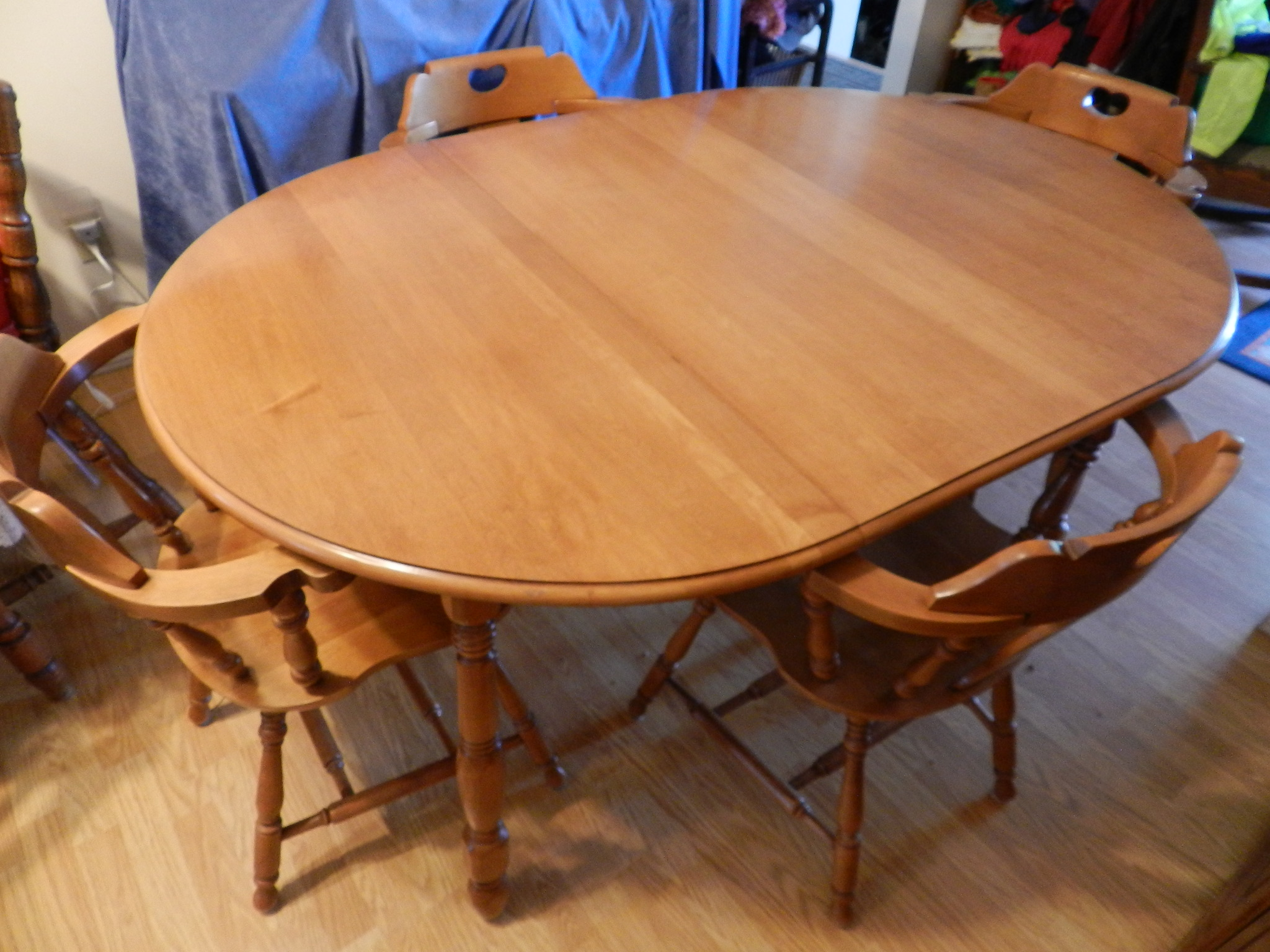 SOLD Roxton Dining Table W Leaf And 4 Captain Mate Chairs