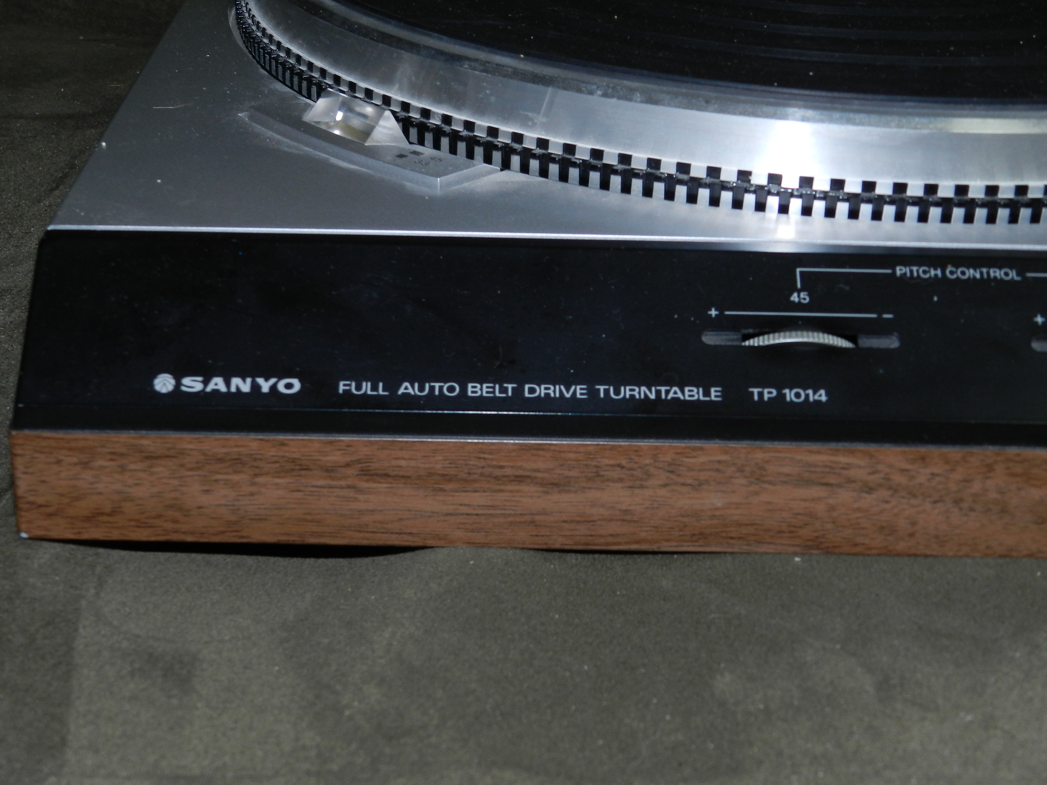 FREE - Professional SANYO TP-1014 Turntable - Parts only