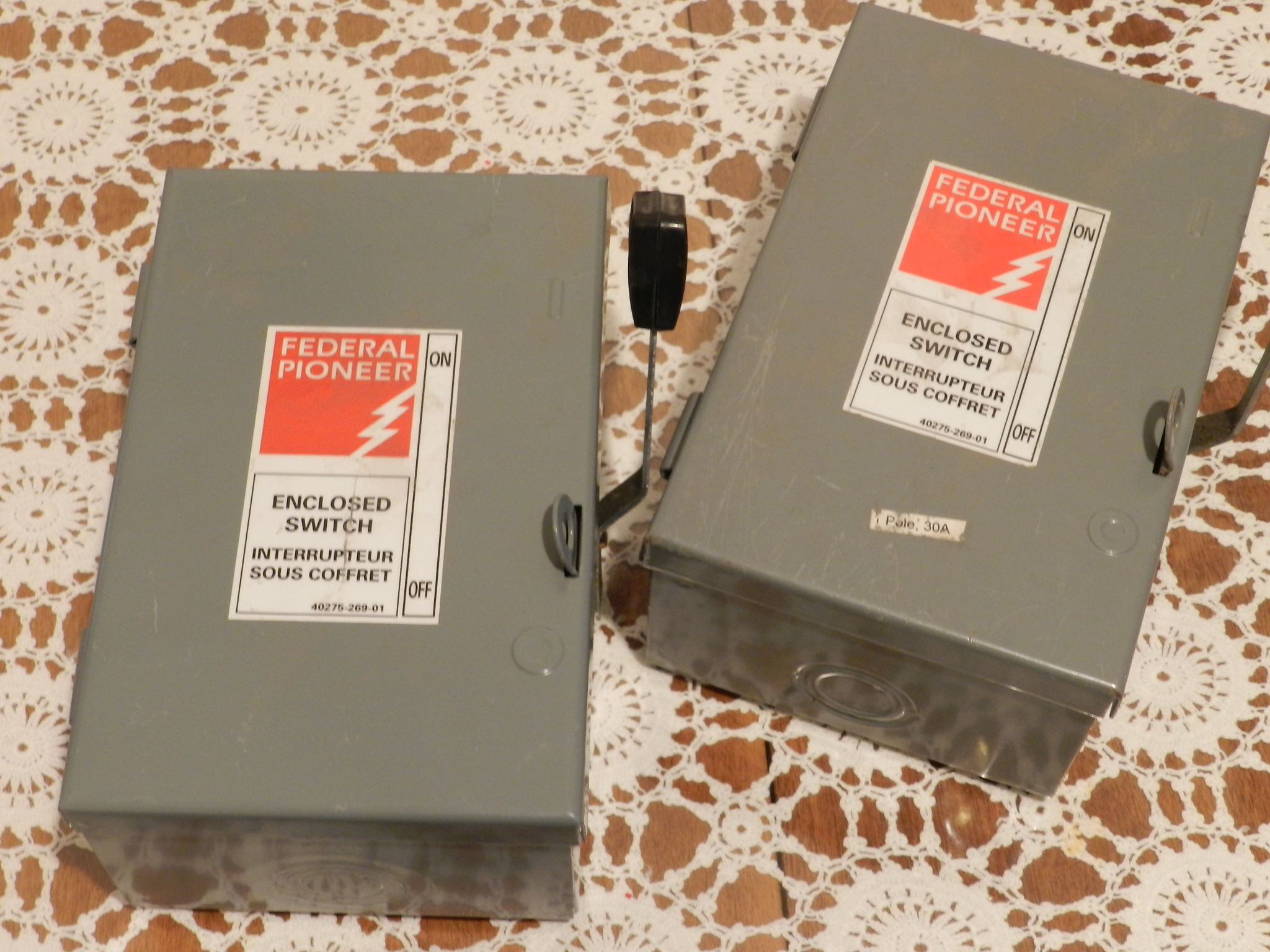 $8ea - NEW : Single pole 120VAC switch box