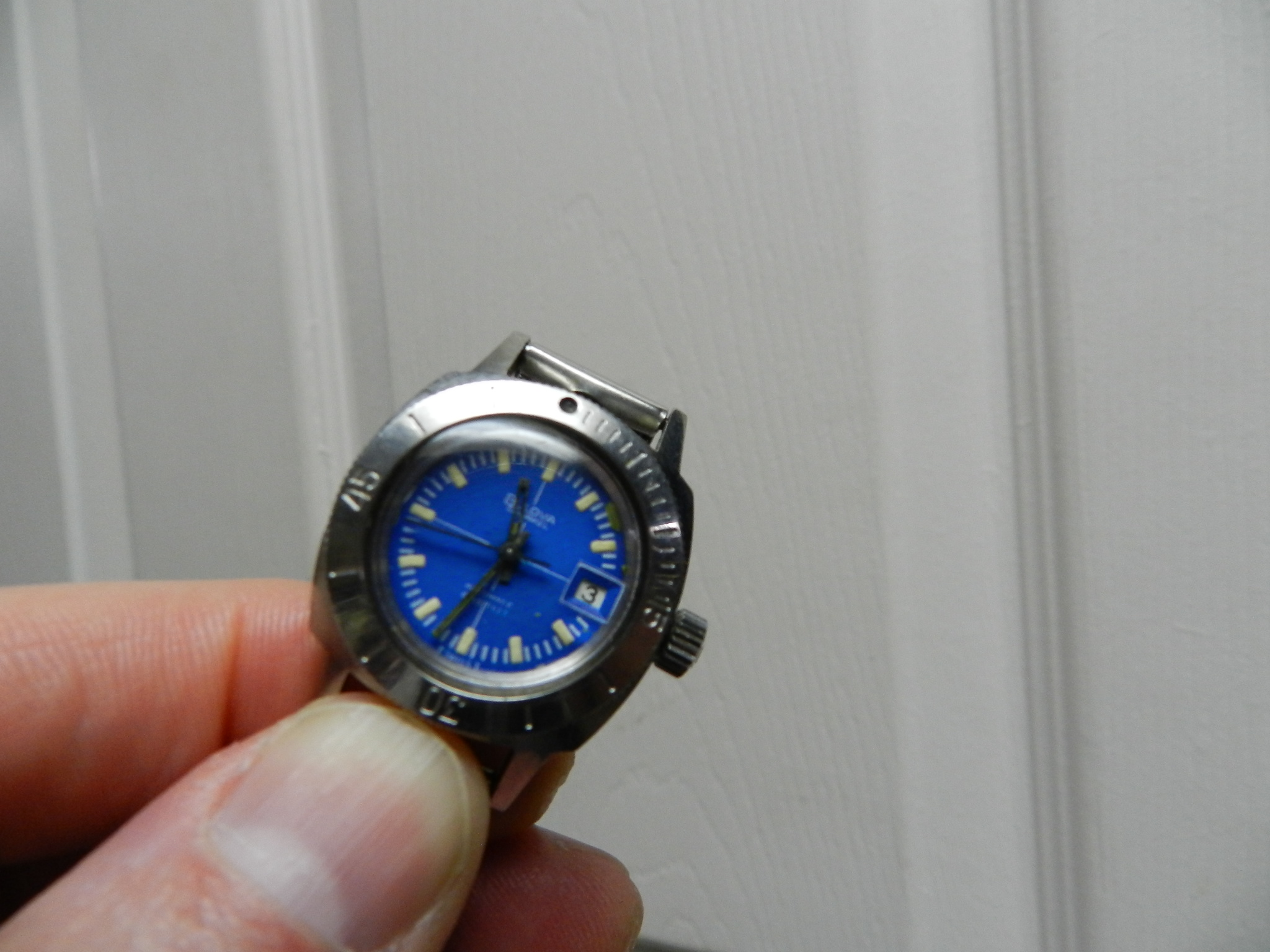 $69 - Ladies Vintage Bulova Snorkel Auto 666 Diver Watch